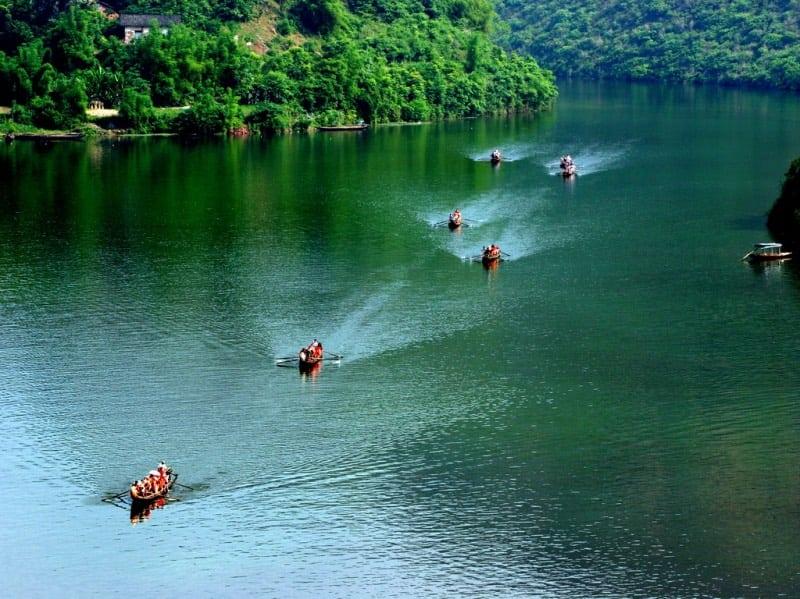 Rafting Down the Shennong Stream