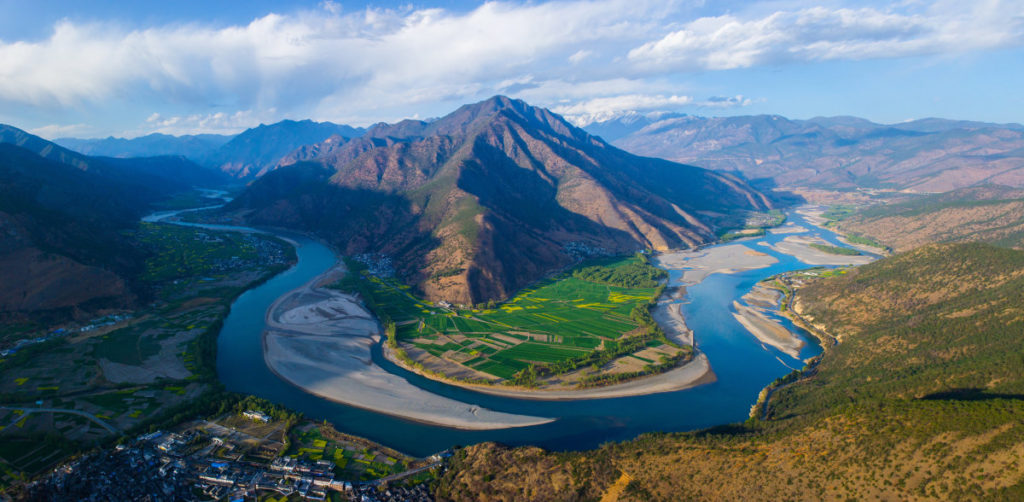 The First Bend of Yangtze River