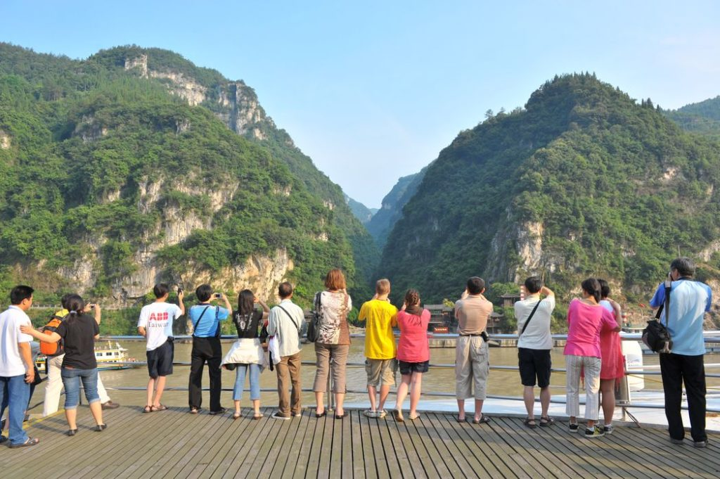 Cruisers attracted to the gorges