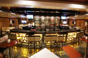 Yangtze River cruise ship Bar