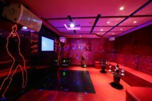 yangtze river cruise ship Karaoke Room