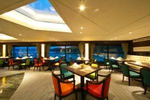 yangtze river cruise ship VIP Dining Room